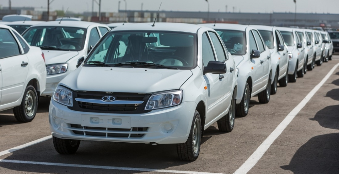 Продажи компании АвтоВАЗ сильно упали