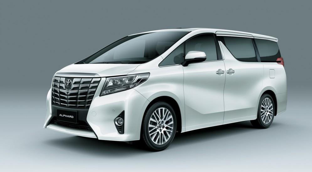 Новейший автомобиль Toyota Alphard доступен в России