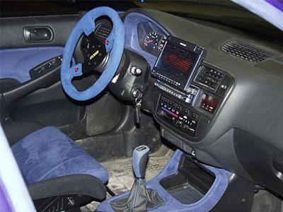 ПК установленный в салоне автомобиля ВАЗ