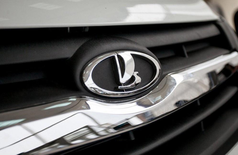 Автомобили Lada: продажи растут