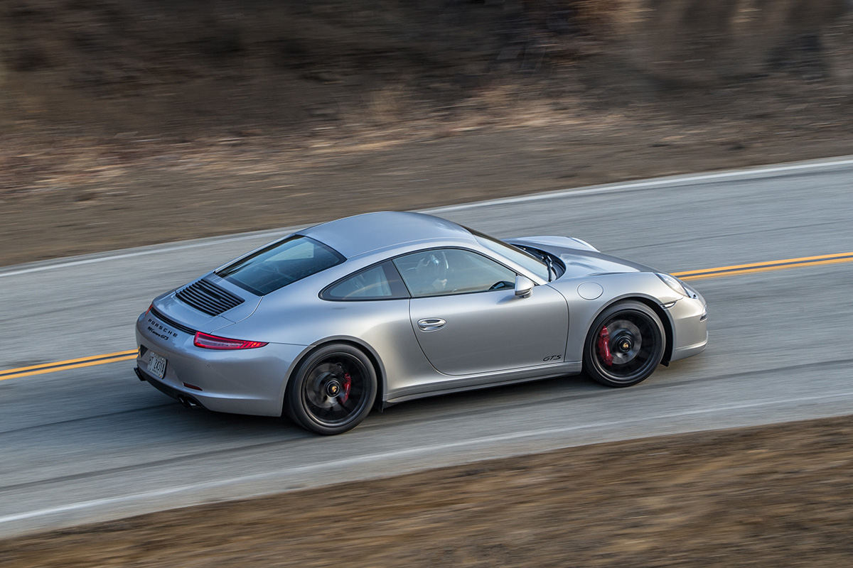 Porsche 911 Carrera GTS теперь доступен и в России