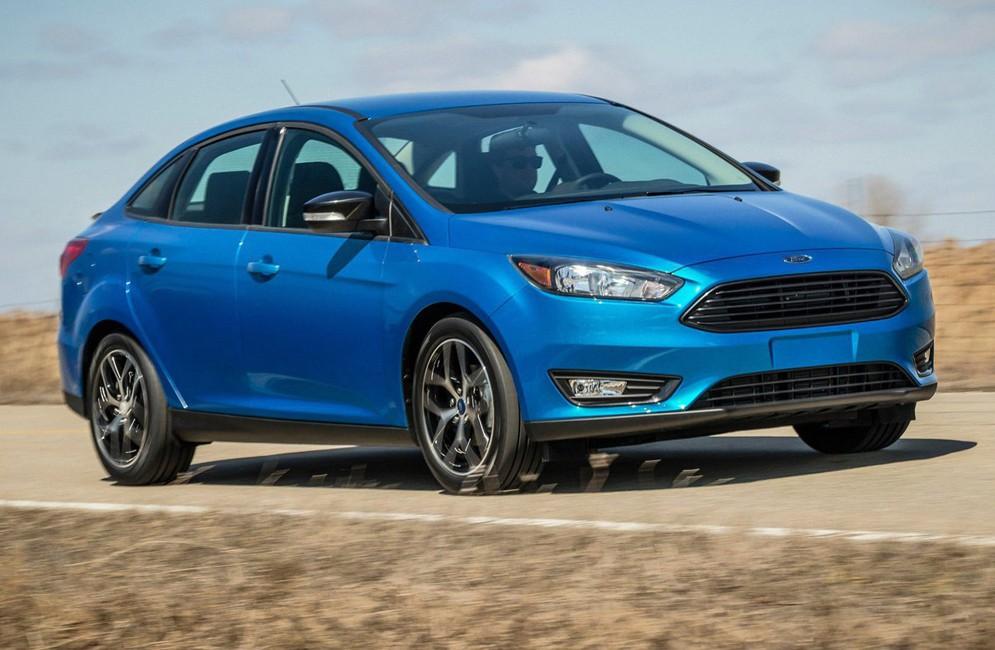 Компания Ford уменьшает цены на автомобили