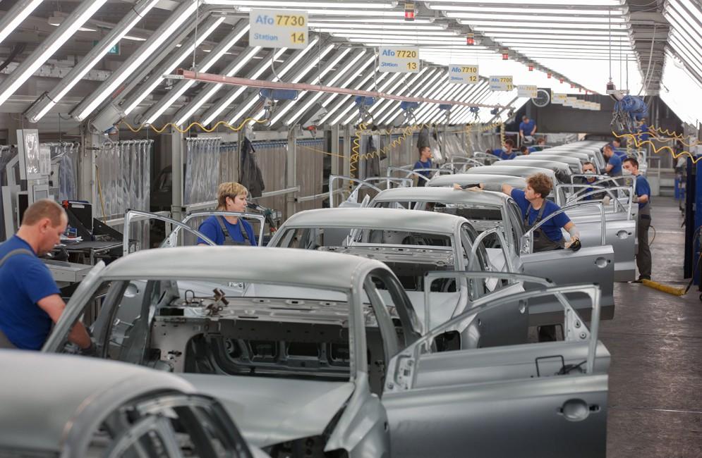 производство автомобиля
