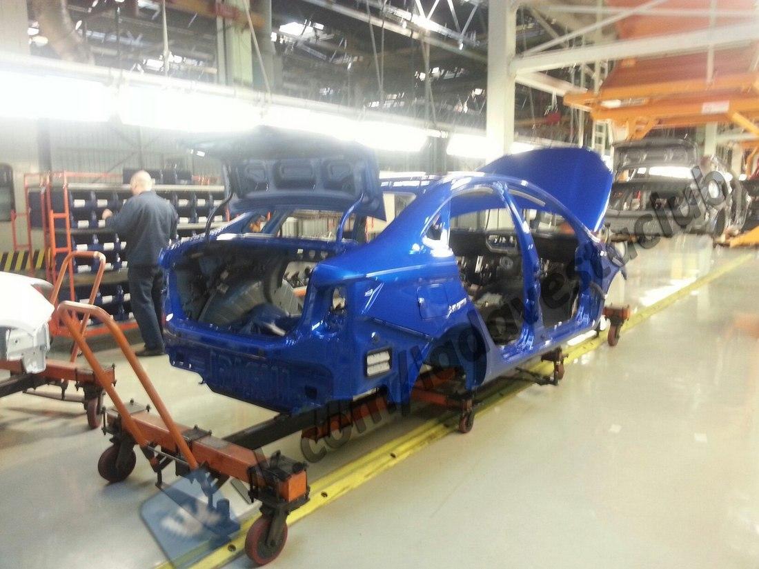 Lada Vesta в синем цвете