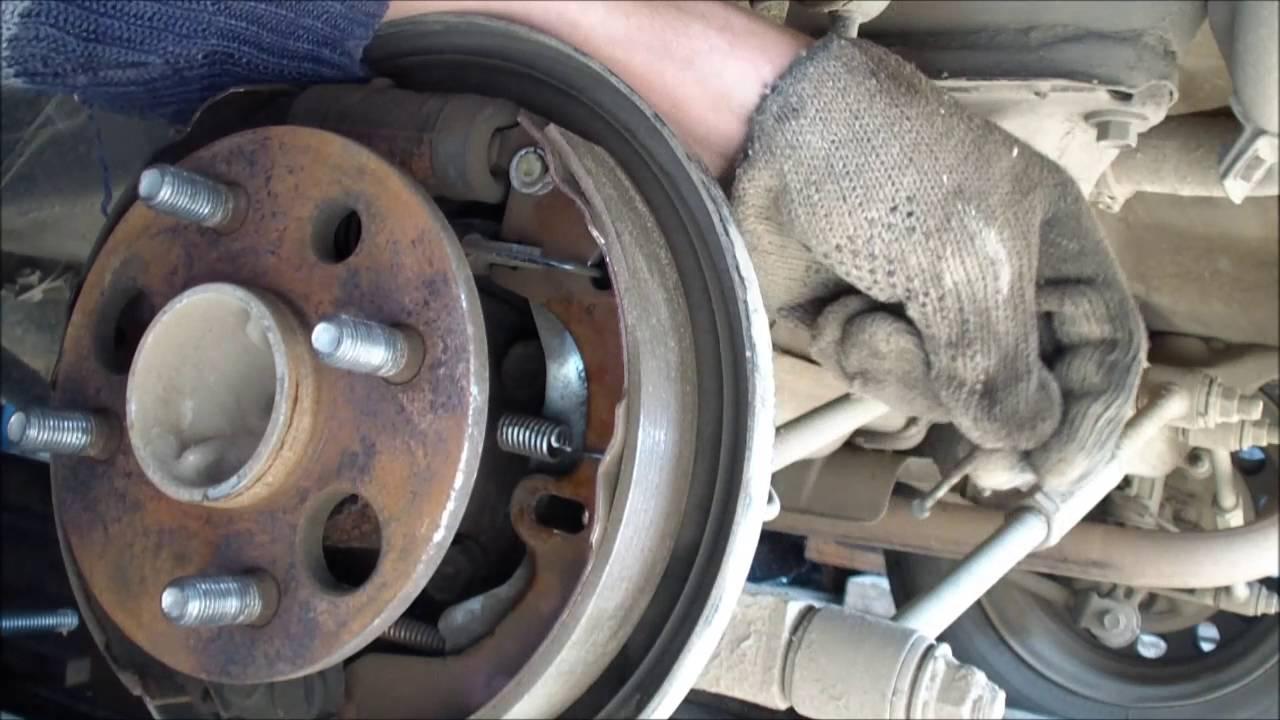 Как заменить тормозные колодки?