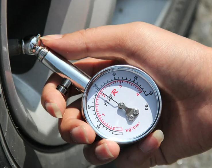 Как проверить давление в шинах автомобиля