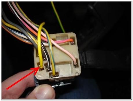 """Расположение желто-зеленого провода """"J"""" в колодке"""