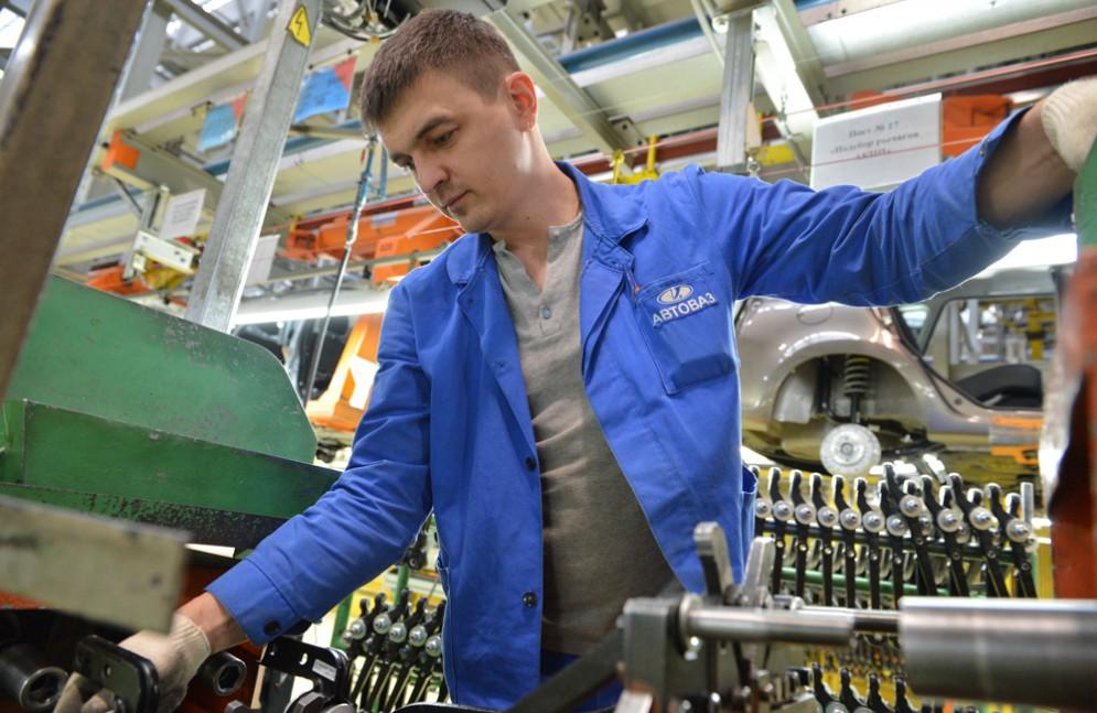 Журналисты узнали зарплаты на заводе АвтоВАЗ