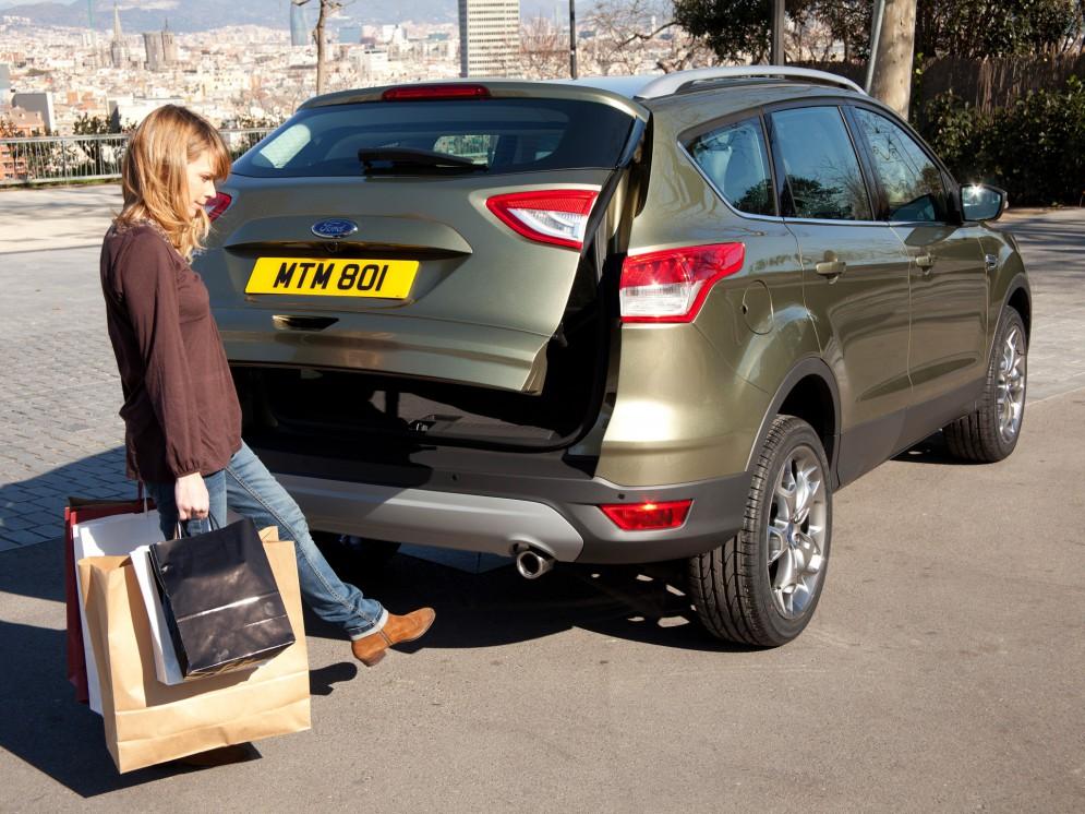 Модель Ford Kuga новой комплектации появилась в России