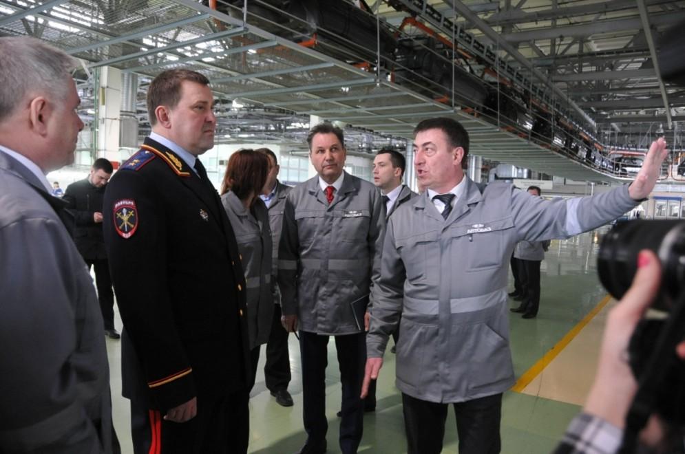 Компания АвтоВАЗ выделила свои автомобили для полиции