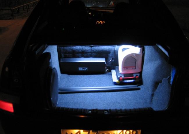 Внешний вид подсветки светодиодами багажника в ВАЗ-2109