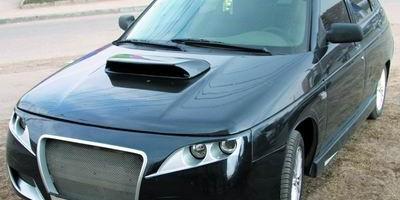 ВАЗ 21124 черного цвета, вид спереди