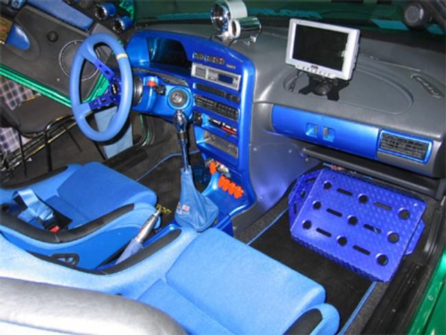 Тюнинг салона автомобиля Ваз 2110 в синем цвете