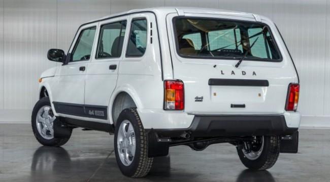 Lada 4x4 Urban, вид сзади