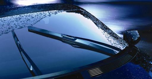 Каркасные и бескаркасные стеклоочистители: подробно и доступно